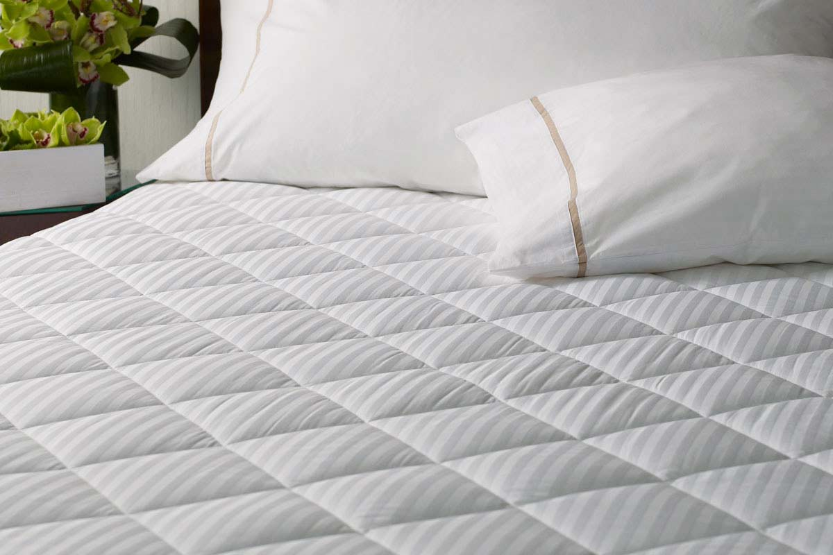 Mattress Pad Vs Mattress Topper Homeverity Com